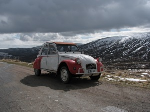 Scottish adventure in a 2CV