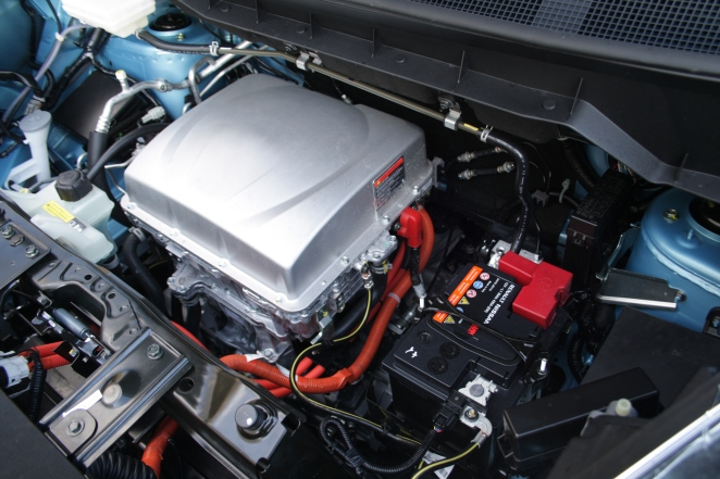 A refreshing lack of plastic in the e-NV200's engine bay