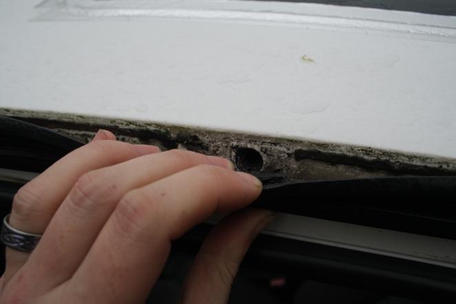 Citroen XM roof rack bolt hole
