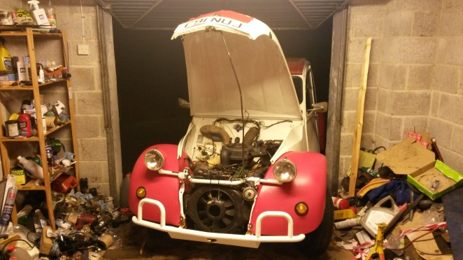 An unhappy, and hot 2CV.