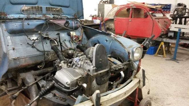 A BMW-bike engine installation, and a hot rod 2CV. Ace!