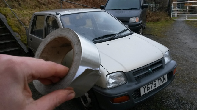 The bodger's friend - aluminium tape.